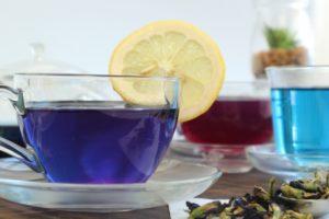 青い飲み物 バタフライピーティー